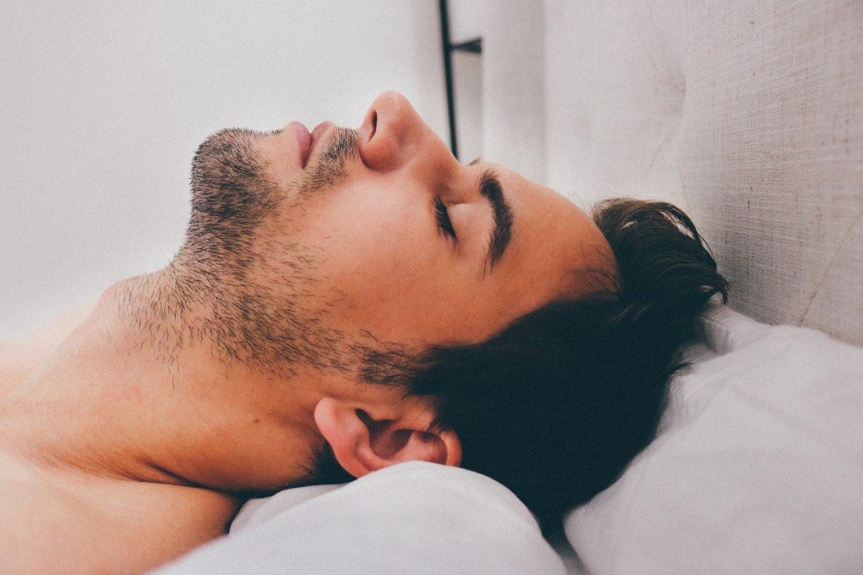 Postura dormir boca arriba